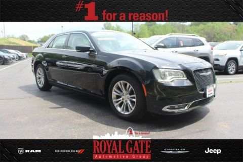 New 2016 Chrysler 300 Limited RWD 4D Sedan