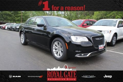 New 2017 Chrysler 300 Limited RWD 4D Sedan