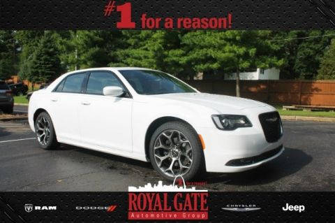 New 2016 Chrysler 300 S RWD 4D Sedan